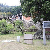 Cо временем храм стали принимать за буддийский