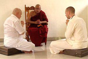Десять достоинств добродетельного буддиста мирянина