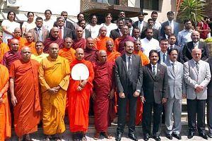 Буддийские монахи поблагодарили народ Пакистана