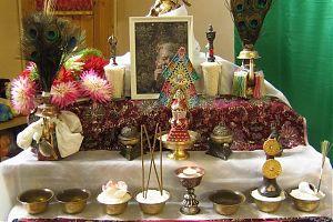 Буддийский домашний алтарь